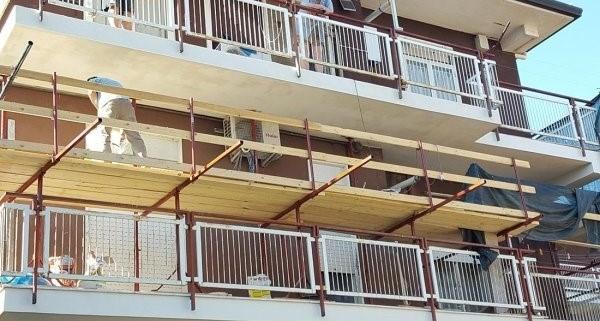 balconi condominiali